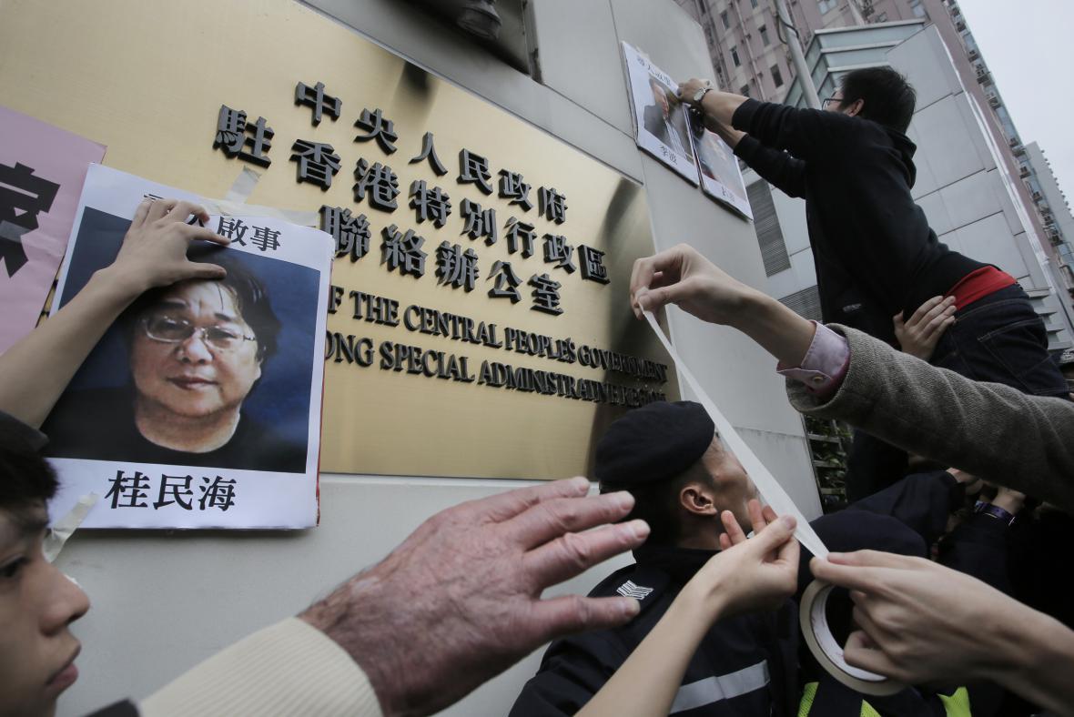 Protest kvůli zmizení hongkongských knihkupců