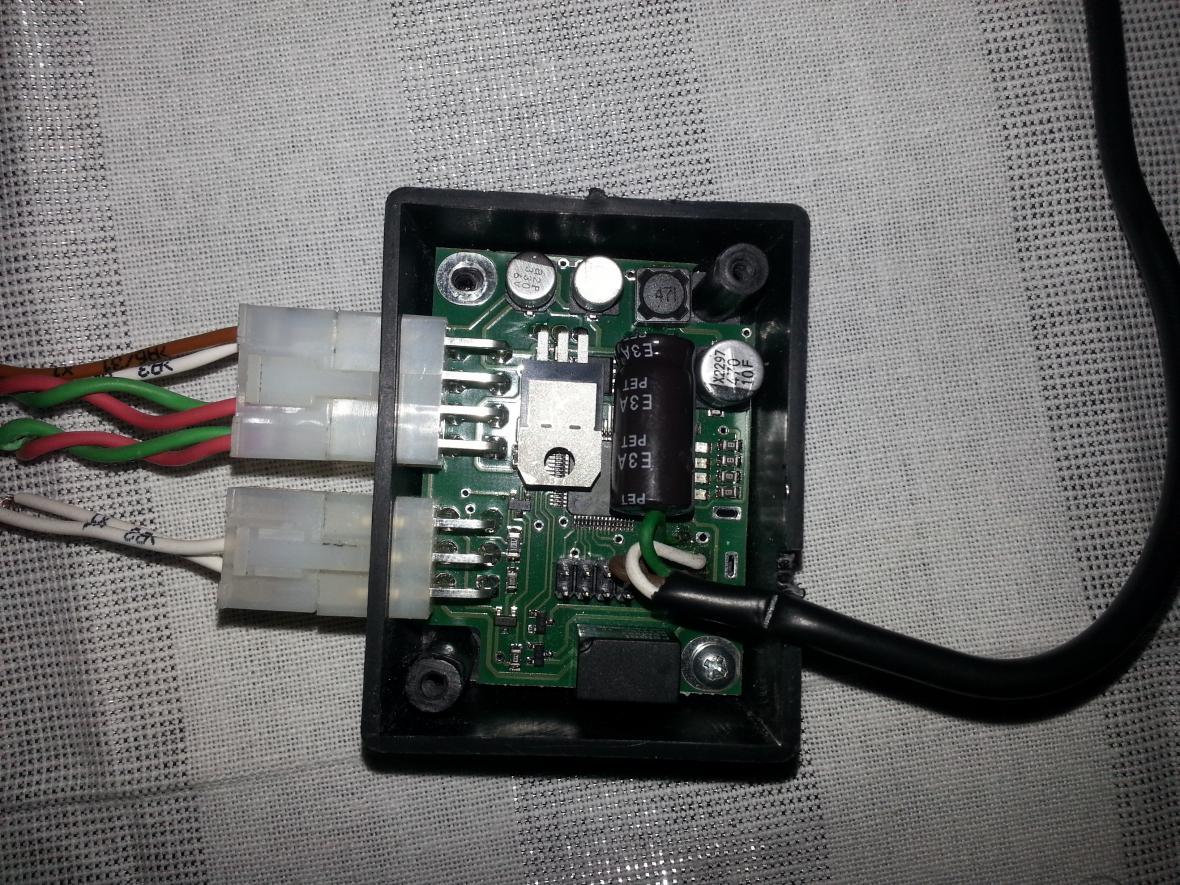 Přístroj, který falšuje údaje v tachografu