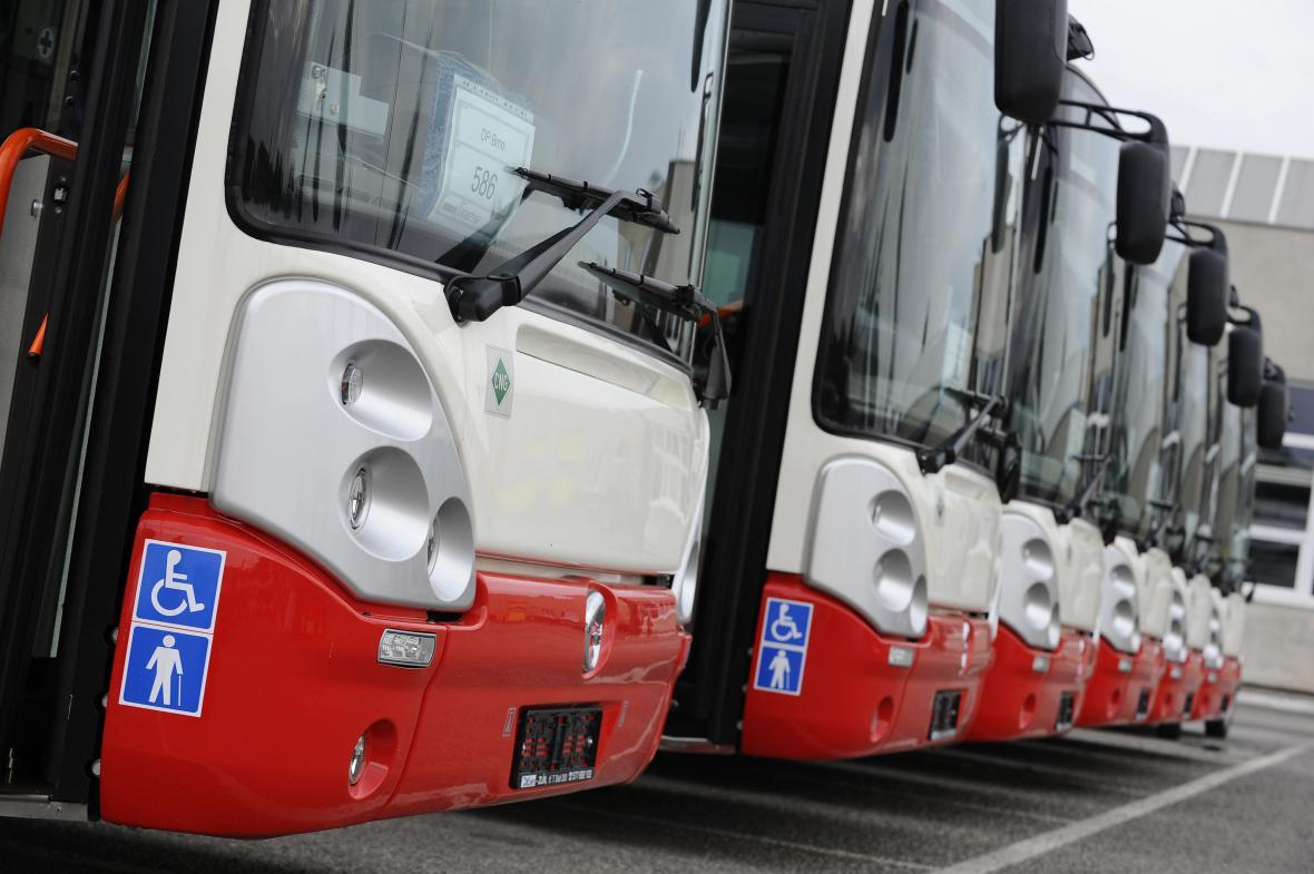Autobusy na stlačený zemní plyn šetří přes dva miliony měsíčně