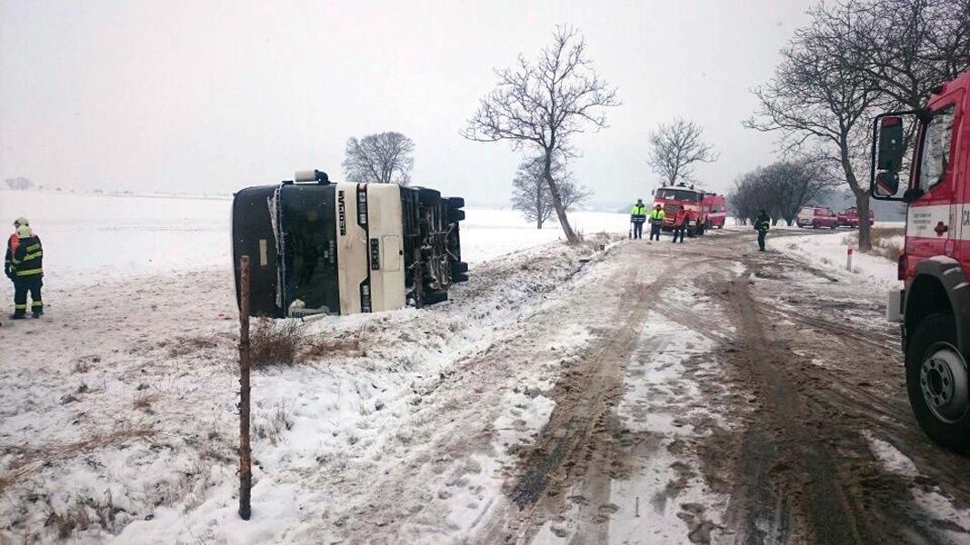 Nehoda autobusu na Náchodsku