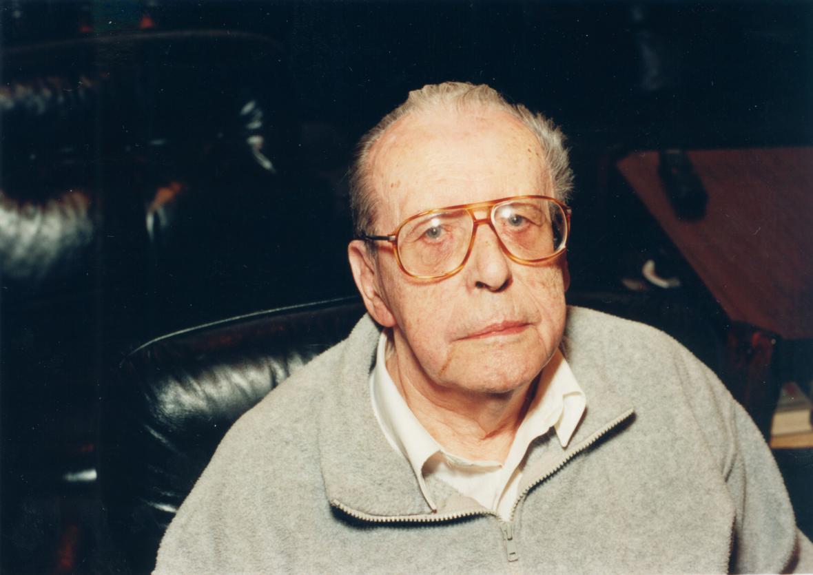 Spisovatel Zdeněk Jirotka v den 90. narozenin
