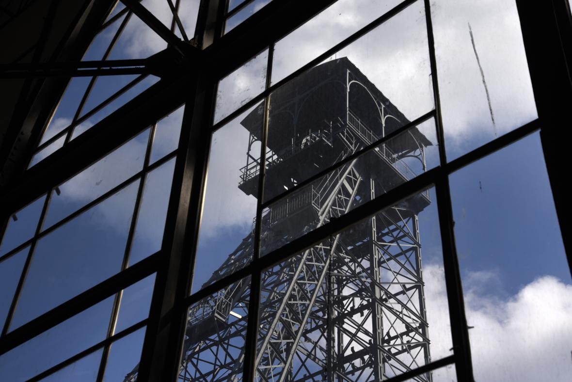 Těžní věž výdušné jámy Dolu Barbora v Karviné z roku 1908