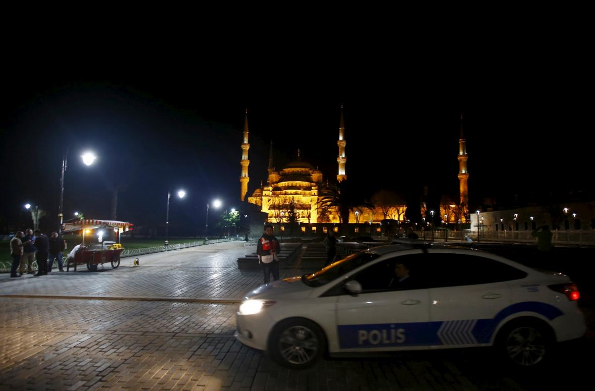 Sebevražedný atentátník zabil v Istanbulu deset lidí