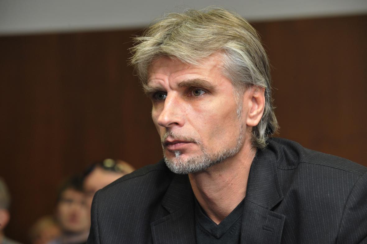 Jiří Večer stane před soudem kvůli dalším dvěma vraždám