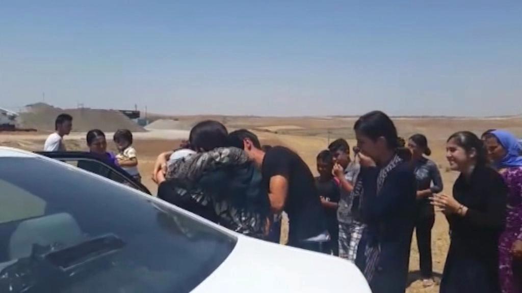 Návrat unesené jezídské dívky