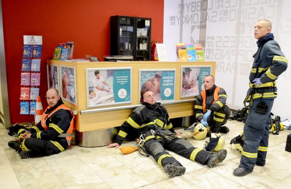 Cvičení záchranářů v hotelu Thermal