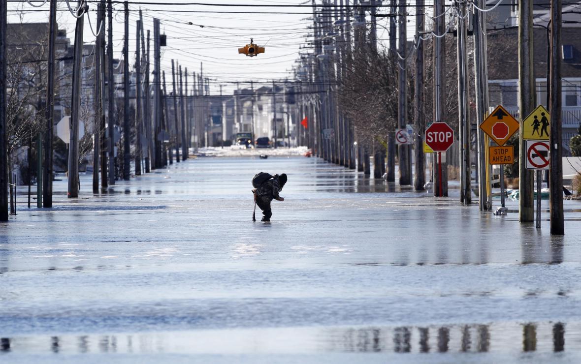Část New Jersey se kvůli tání sněhu ocitla pod vodou