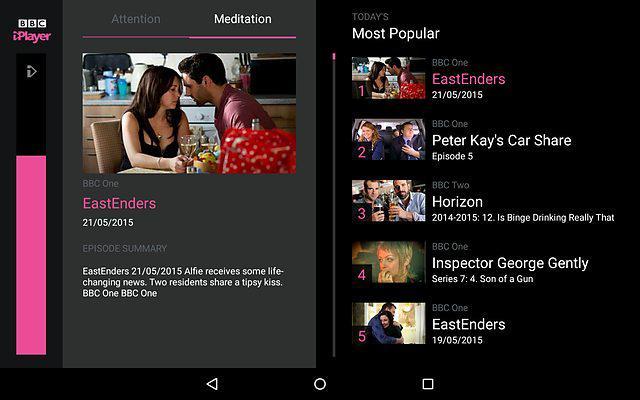 BBC iPlayer nabízí pět nejsledovanějších videí. Při zvýraznění konkrétní položky ji může divák spustit