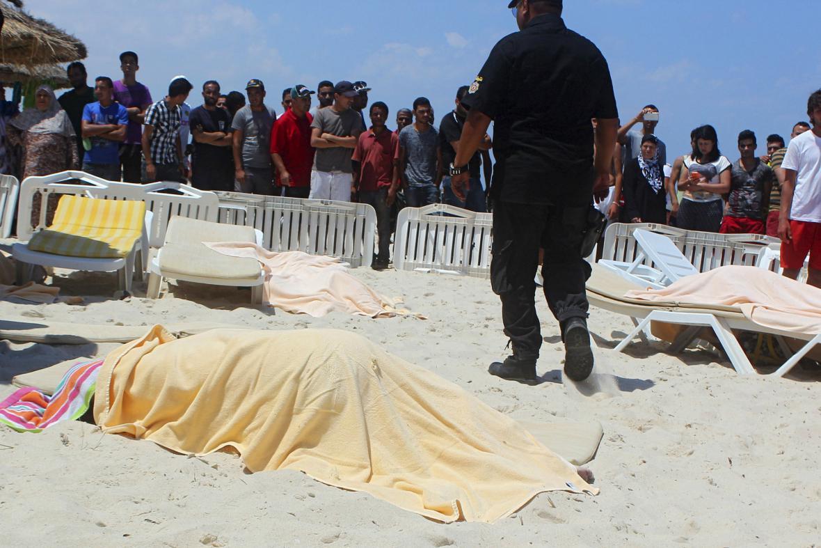 Útok v tuniském letovisku Sousse