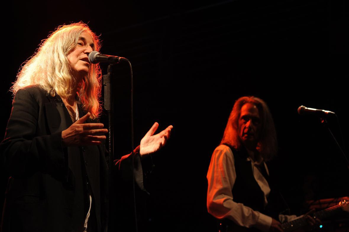 Patti Smith a Lenny Kay v Divadle Archa