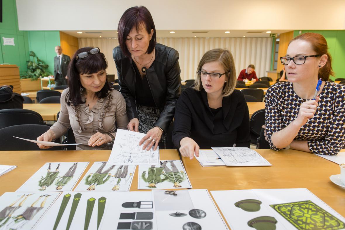 Návrhy nových lesnických uniforem