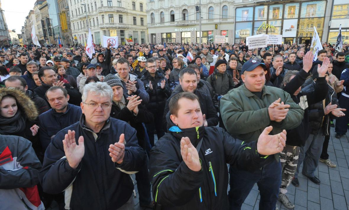Předseda Bloku proti islámu Martin Konvička na demonstraci na Hradčanském náměstí v Praze