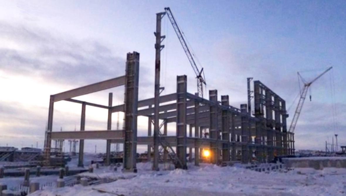Torzo rozestavěné elektrárny v Poljarnaji