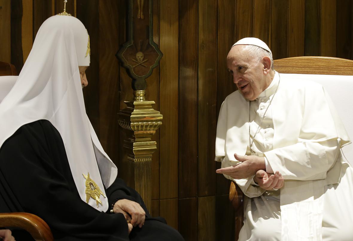 Kirill a František během schůzky v Havaně