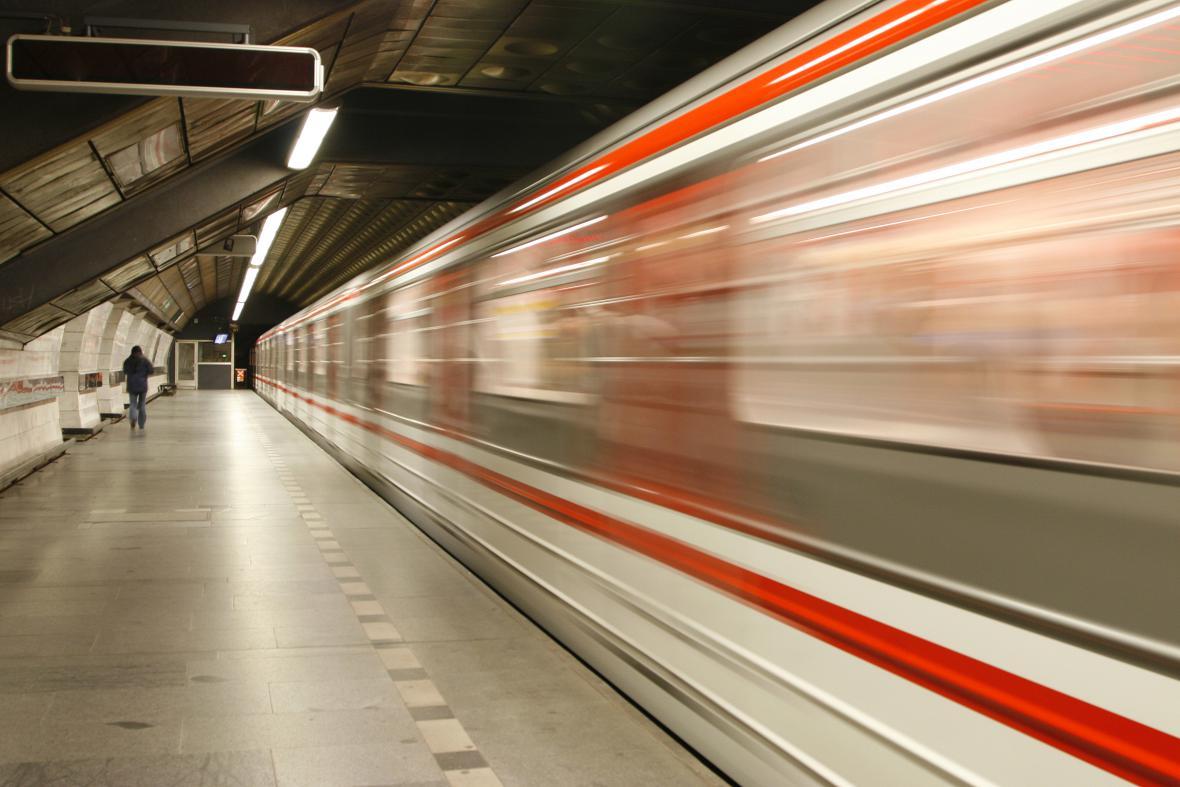 Provoz metra bude omezený celý víkend