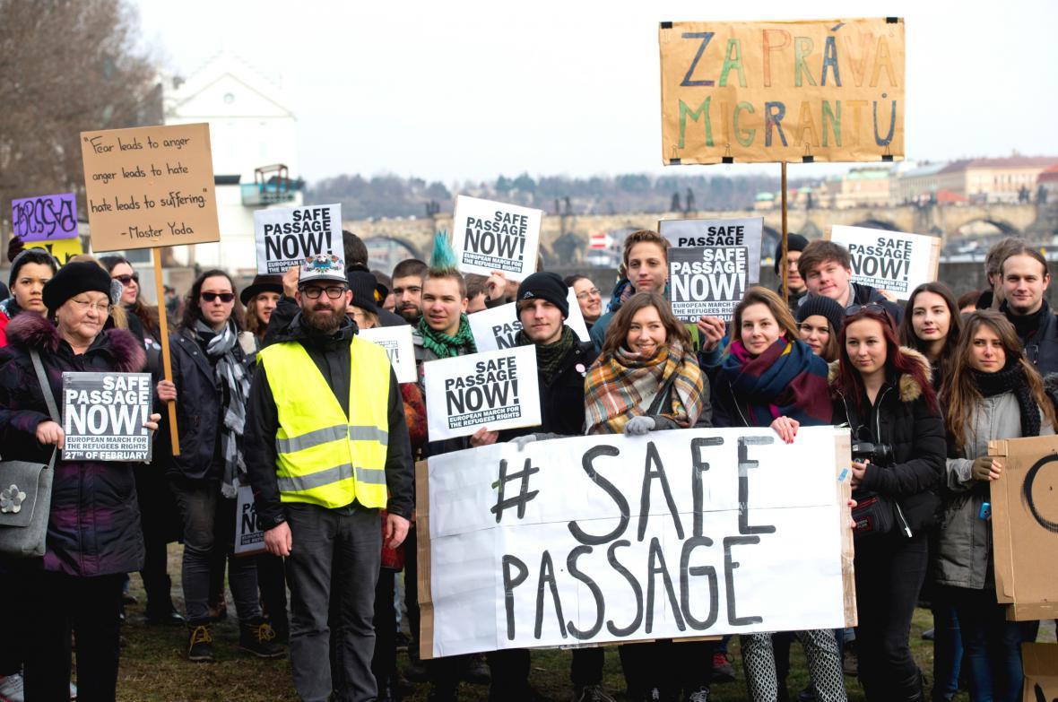 Demonstrace na podporu uprchlíků