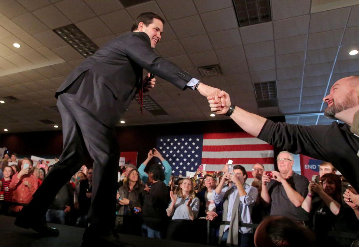 Klíčový den primárek: volební nálet napříč USA