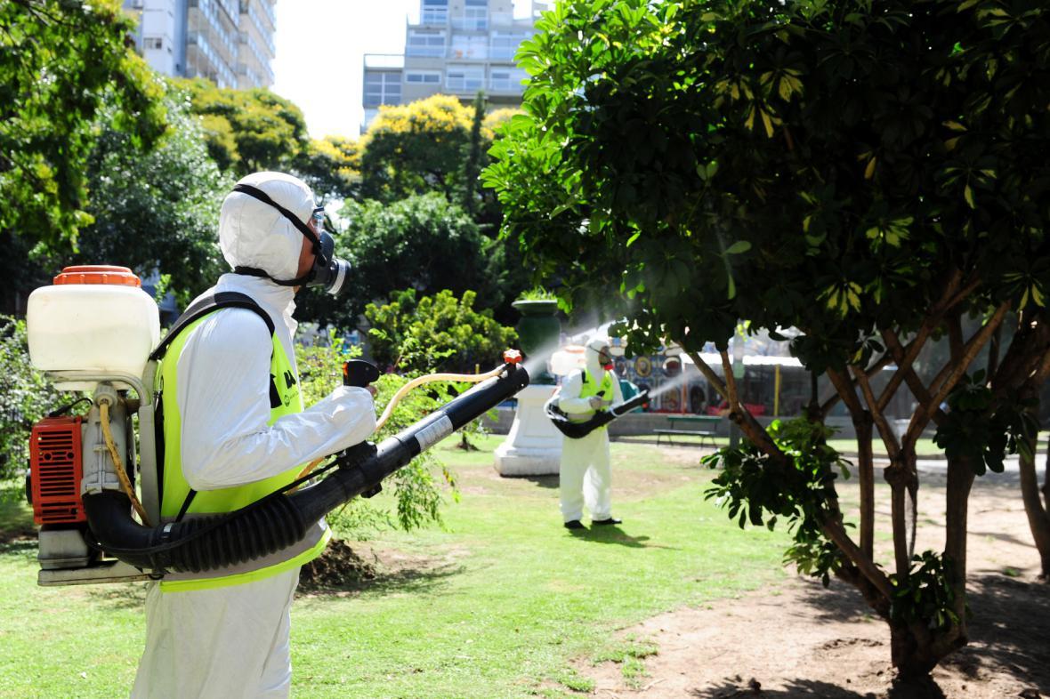 Postřiky proti komárům v Buenos Aires