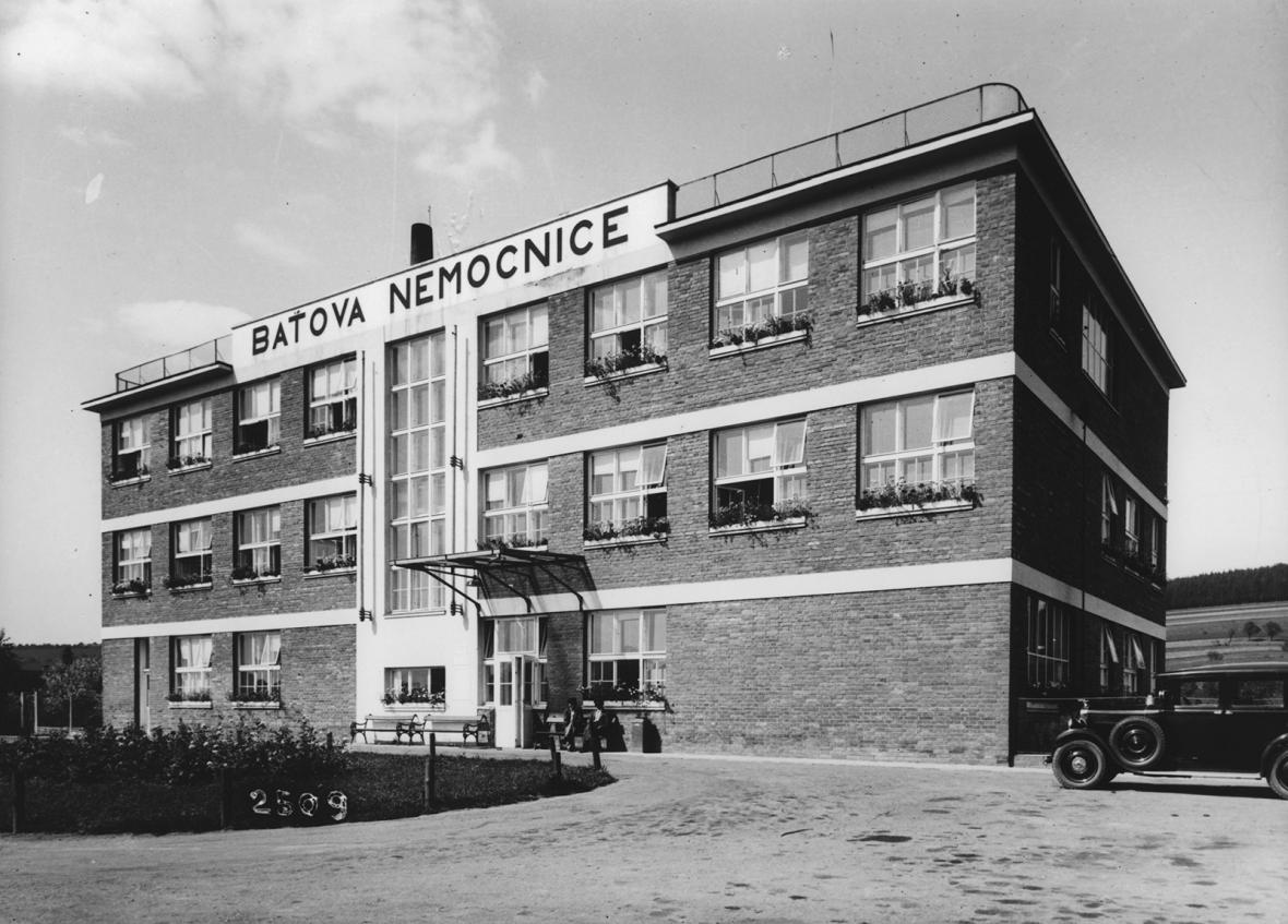 Historické fotografie Baťovy meziválečné architektury ve Zlíně