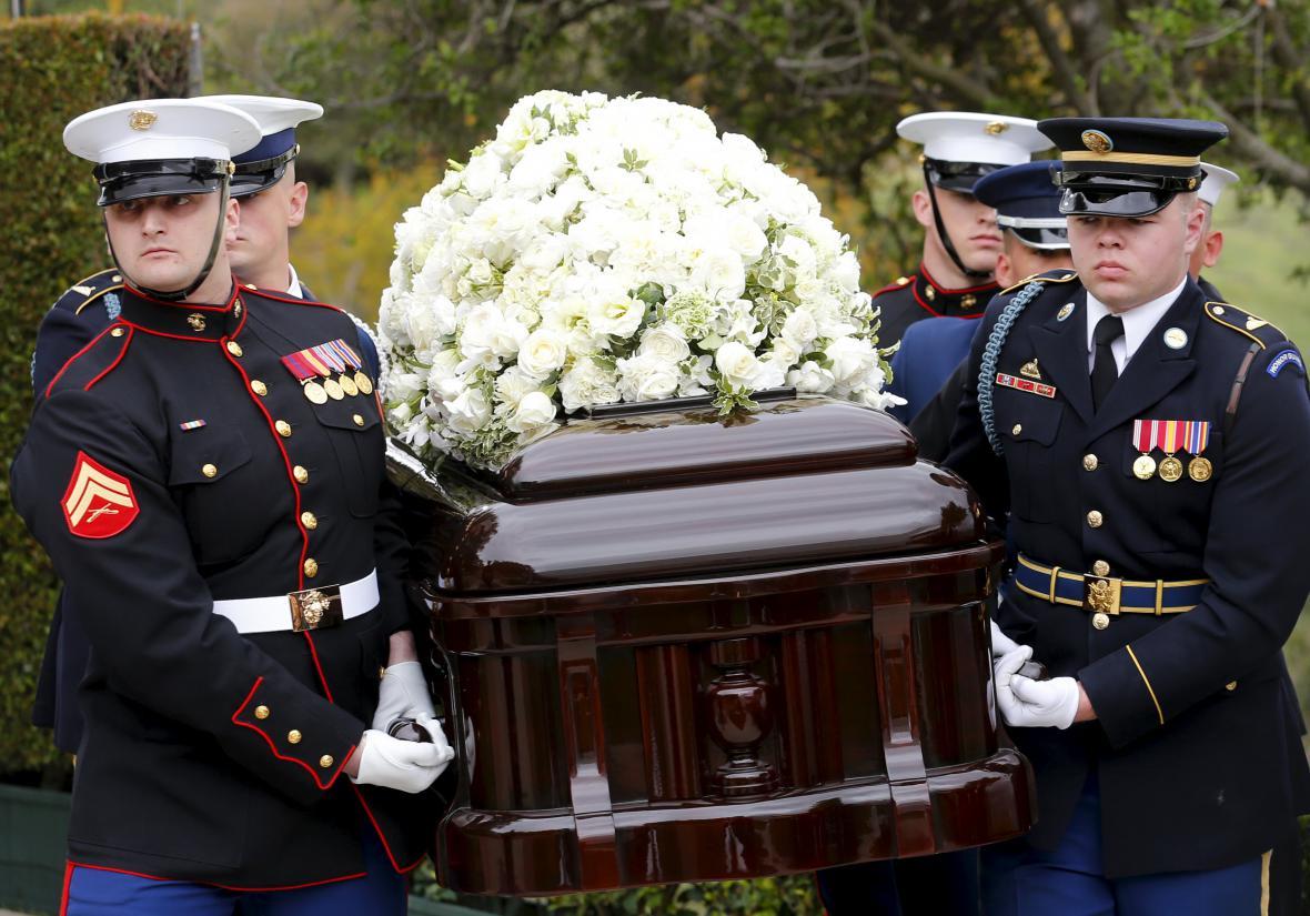 Poslední rozloučení s Nancy Reaganovou