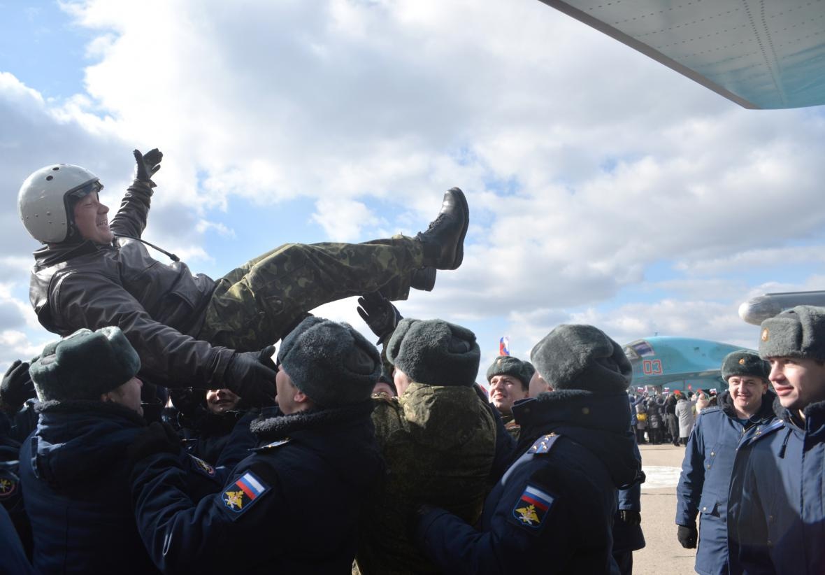 Ruská armáda se stahuje ze Sýrie