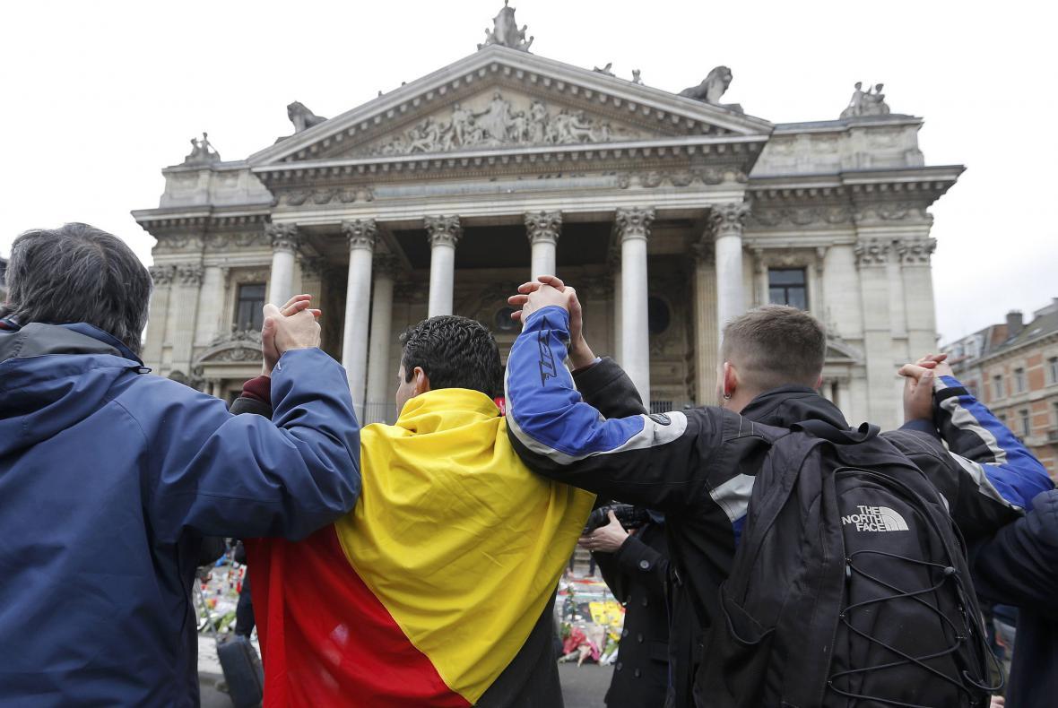 Belgičané se scházejí před sídlem bruselské burzy