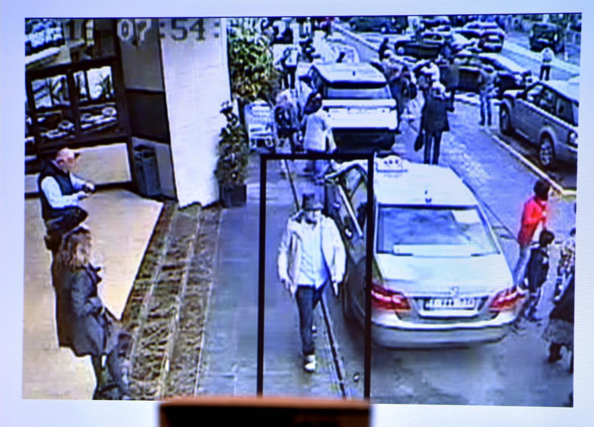 Záběr třetího teroristy z letiště