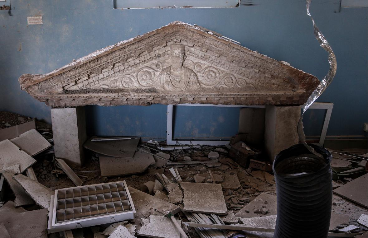 Poničená Palmýra