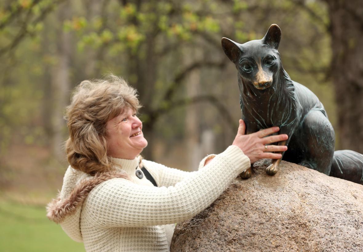 Nová sochy lišky Bystroušky
