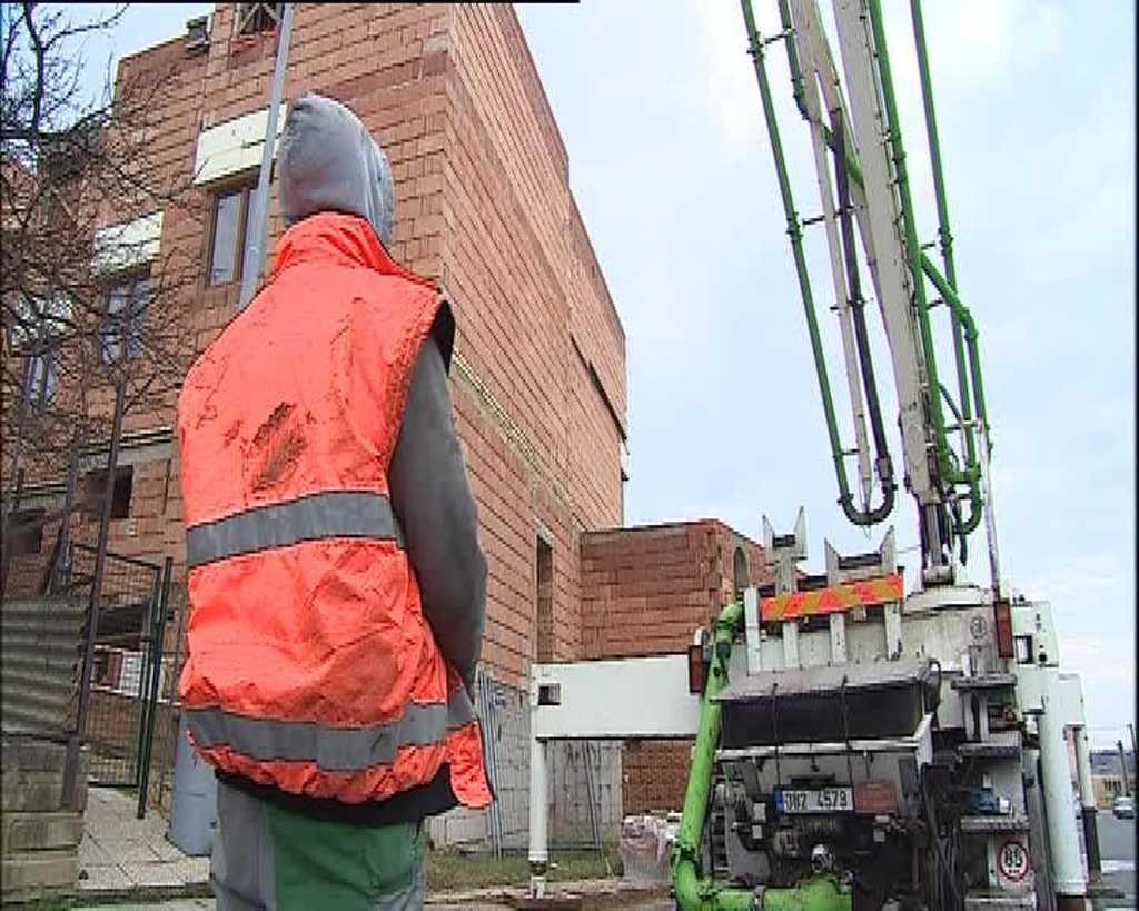 Majitel pokračuje ve stavbě i přes zákaz úřadů