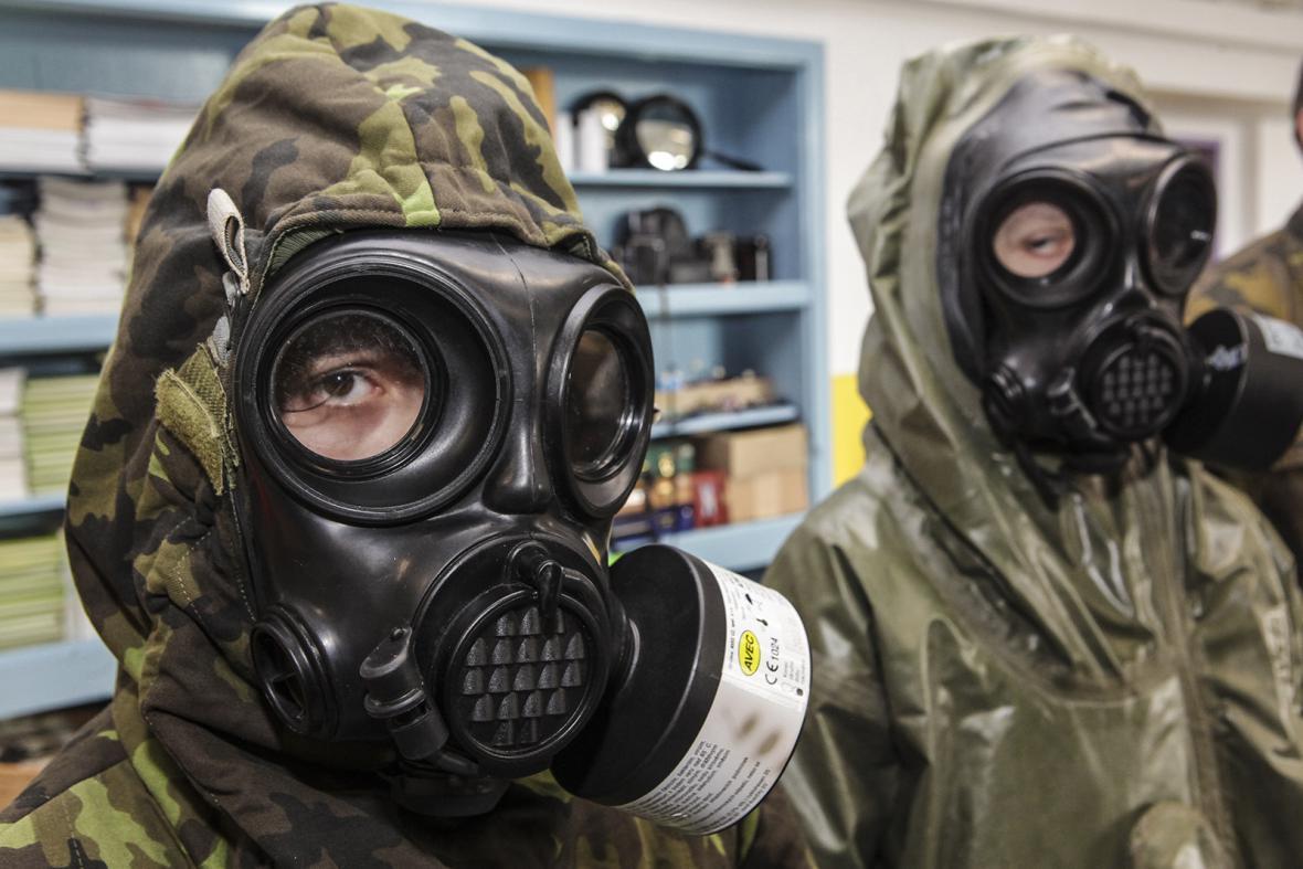 Na školách probíhají přípravy dětí na ohrožení chemickými látkami. Je to nutné?