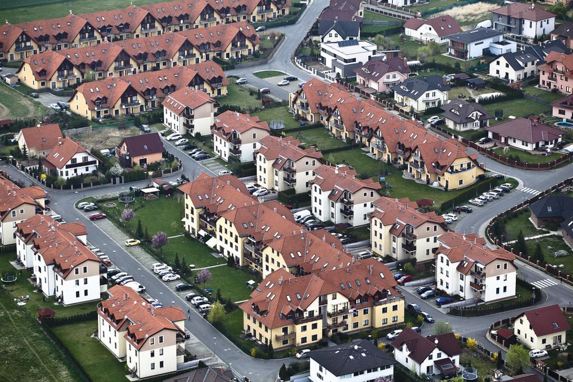 Sklady a satelitní obce z leteckého pohledu