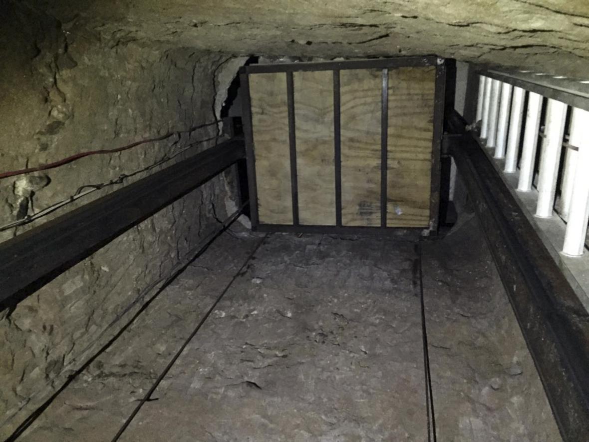 Tunel z Mexika do USA