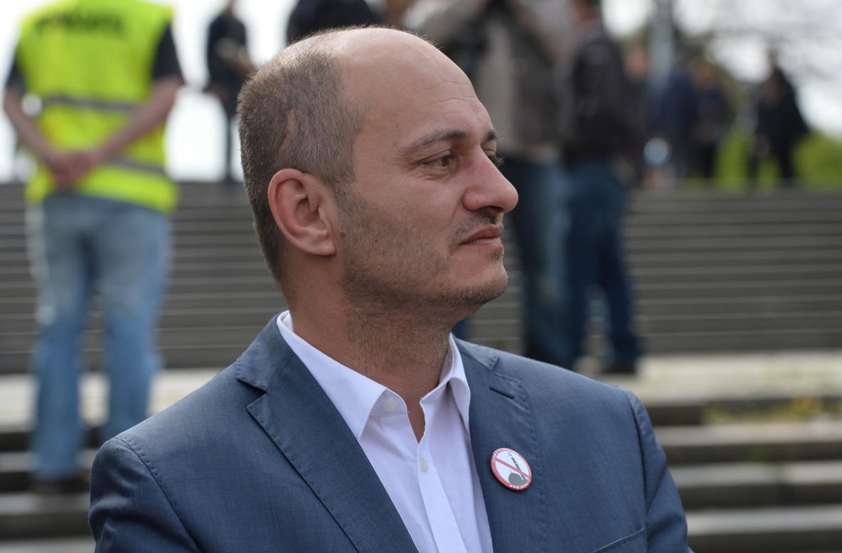 Předseda Bloku proti islámu Martin Konvička na demonstraci na Letné