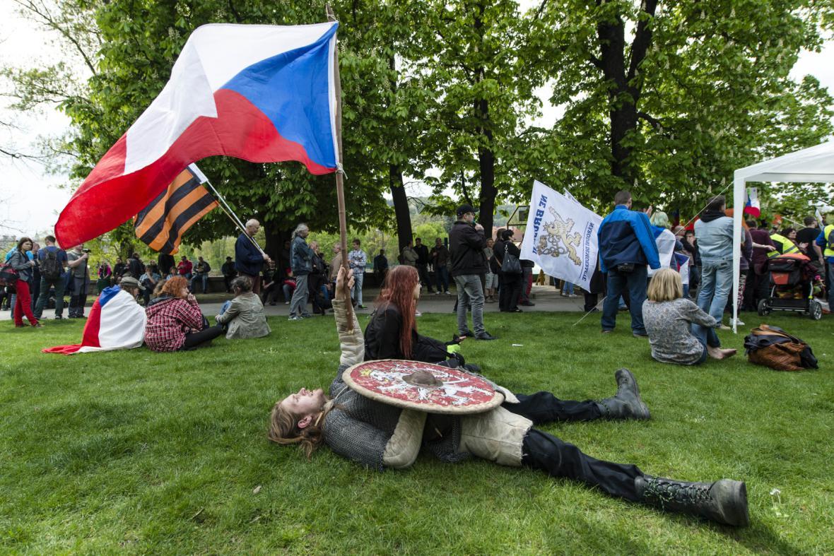 Antikapitalistické shromáždění na náměstí Republiky