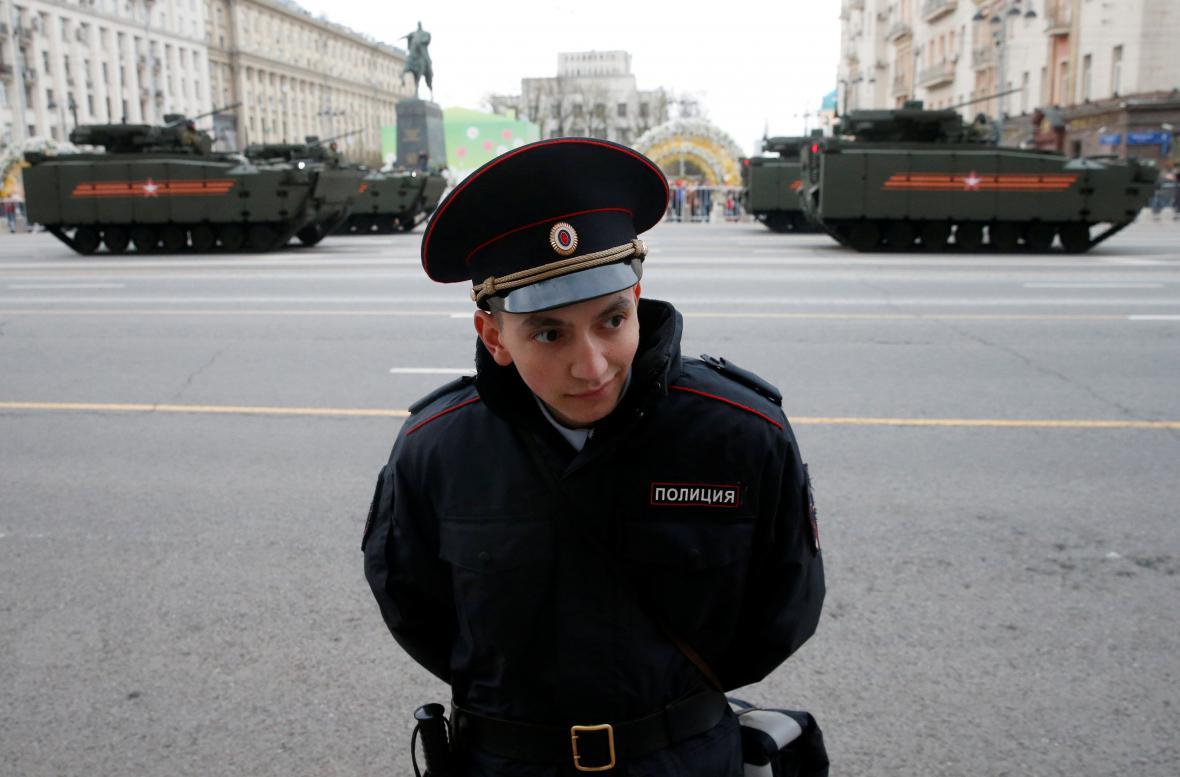 Přípravy na moskevské oslavy konce války