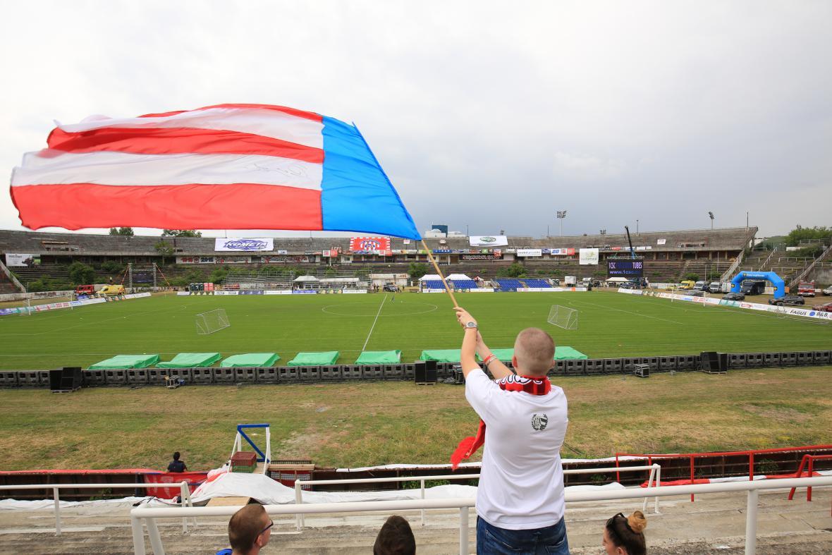 Na Švancarův zápas se přišlo podívat 35 tisíc lidí