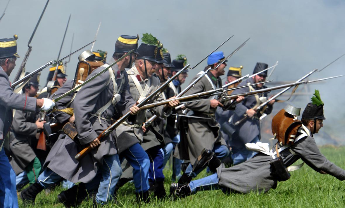 Fotografie z rekonstrukce bitvy u Hradce Králové
