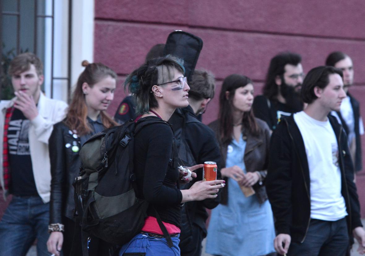 Policie vyklidila kvůli anonymnímu hlášení o bombě centrum Klinika