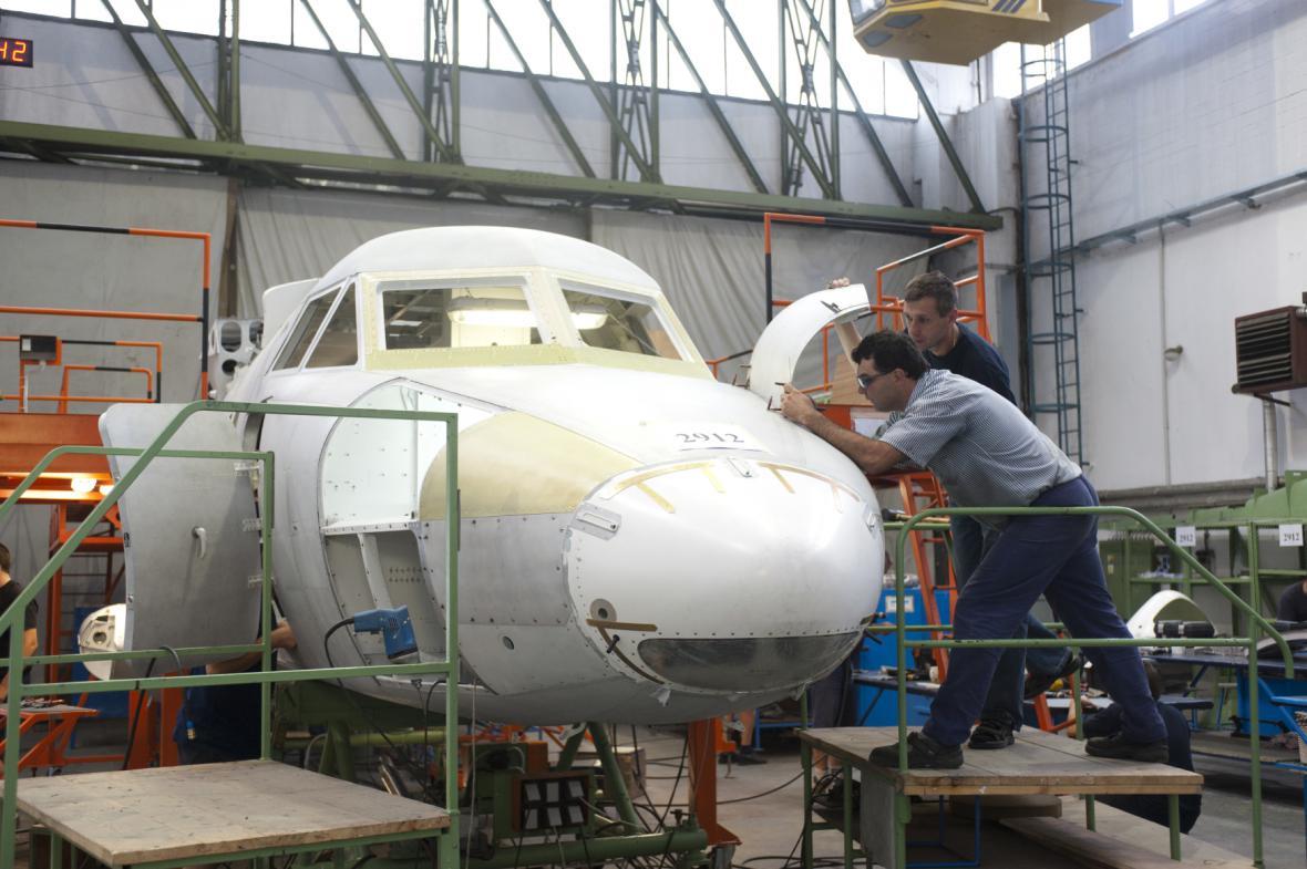 Kunovický výrobce letadel začal platit dluhy věřitelům. Problémy chce vyřešit do konce roku