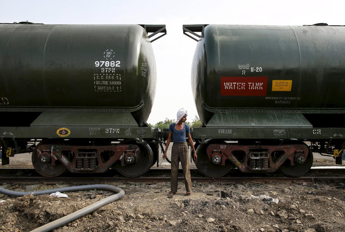 Pro vyprahlou Indii jsou vlaky s vodou opravdovou spásou