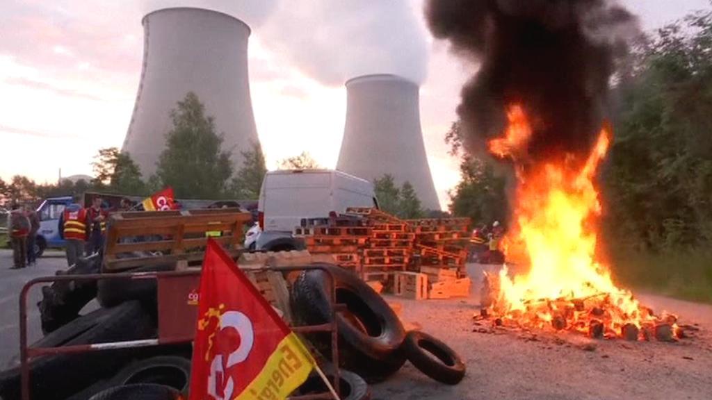 K protestům se připojili i zaměstnanci jaderných elektráren