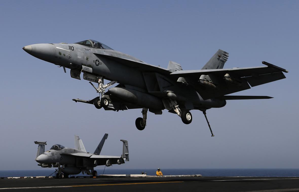 Stíhačka F/A-18E Super Hornet