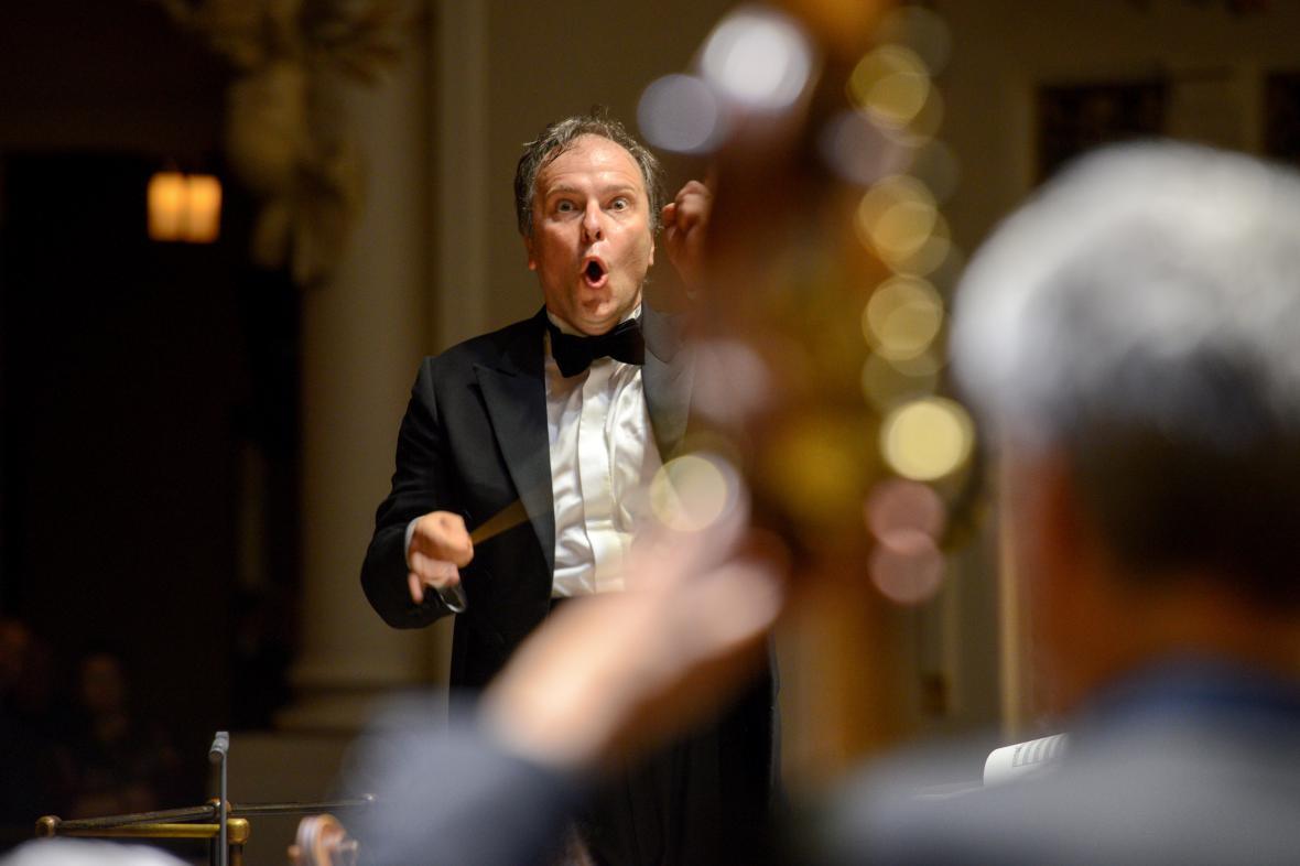 Sakari Oramo diriguje BBC Symphony Orchestra