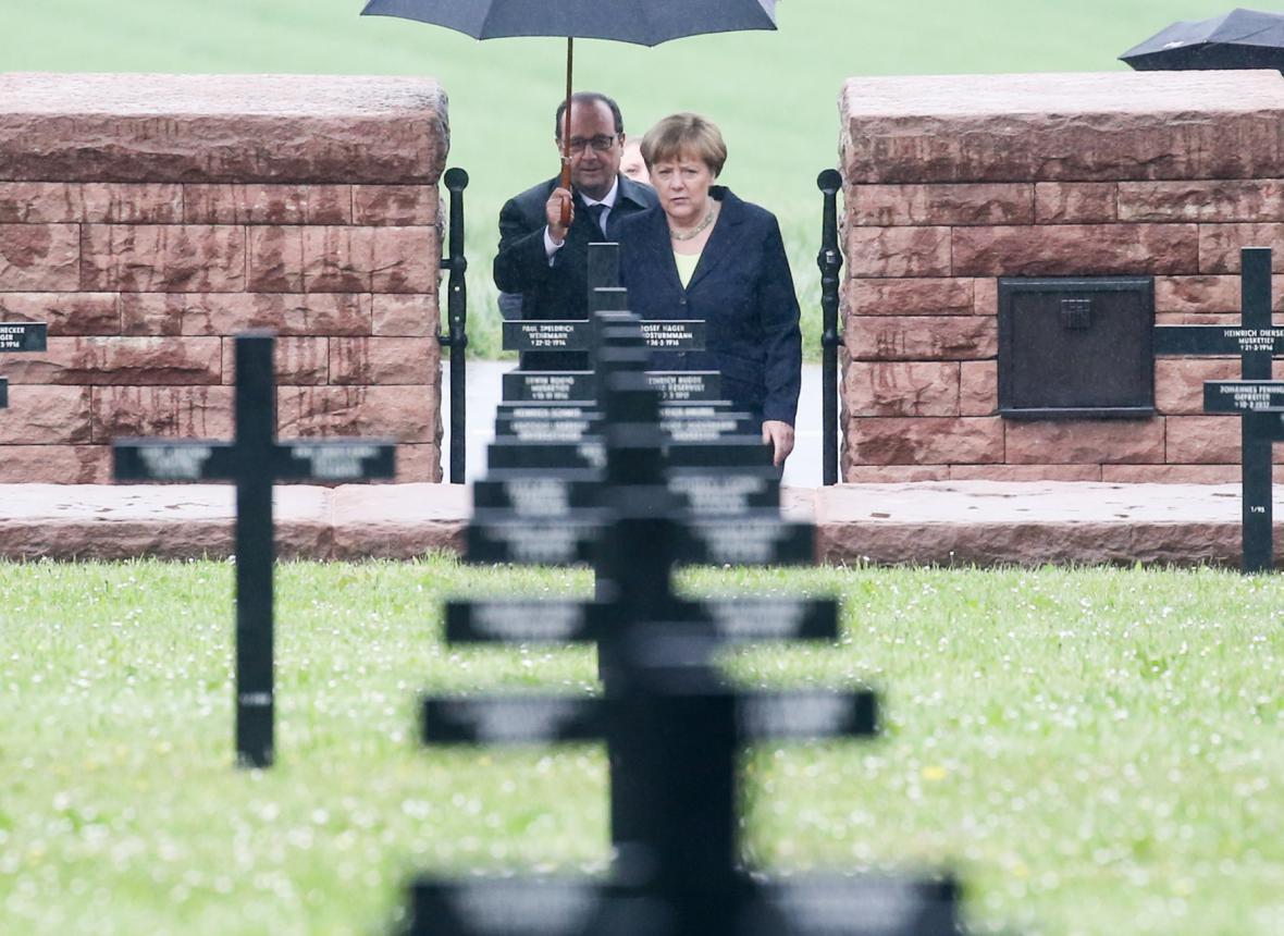Francois Hollande a Angela Merkelová