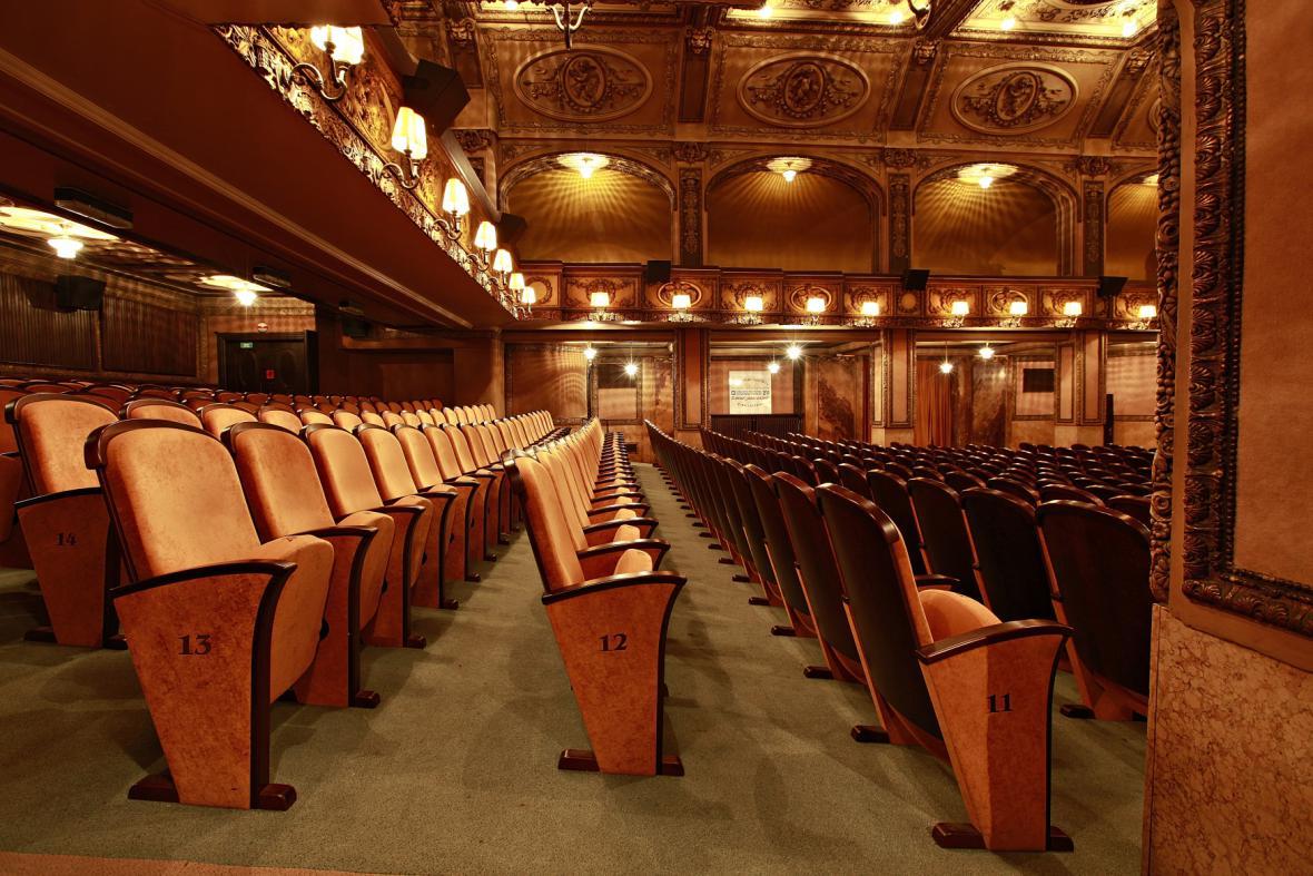 Kinosál Lucerna oslavil roku 2009 sto let své existence