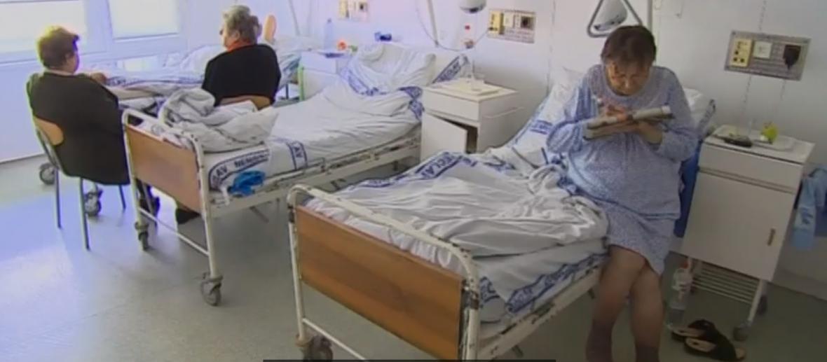 Ke kontrole v nemocnici vedly stížnosti pacientů na sociálních sítích