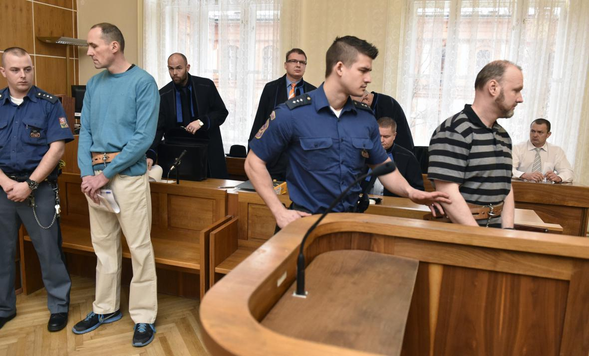 V případu jsou čtyři obžalovaní