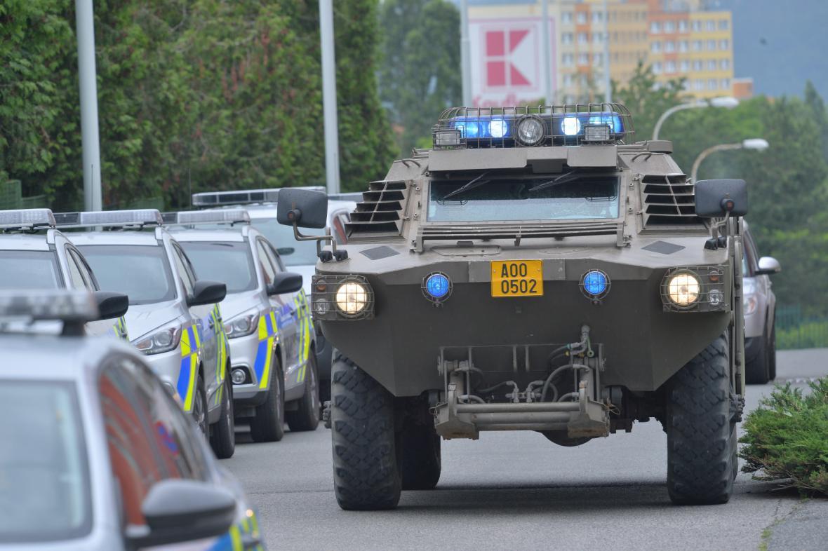 Odjezd policistů do Makedonie
