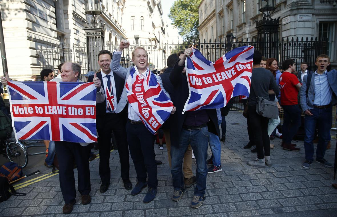 Británie odchází